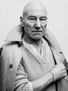 Patrick Stewart photographed by Sebastian Kim for GQ. Patrick Stewart, Famous Portraits, Celebrity Portraits, Male Portraits, Sebastian Kim, Cinema, Poses References, Black And White Portraits, Interesting Faces