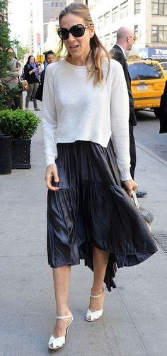 sarah jessica parker celebrity style: Sarah Jessica Parker in a black skirt