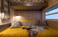 Ålhytte Interiør | Ålhytta Modern Cabin Interior, Bed Nook, Building A Cabin, Copper Decor, Weekend House, Cabin Interiors, Diy Bed, Modern Kitchen Design, Log Homes
