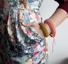 DIY Easiest Knit Bracelet Ever with Button Closure Tutorial from Design Sponge here. Check out Design Sponge's How to Knit the Basics here, Also definitely check out inspiration & realisations Knitting 101 that I posted here. Diy Knitted Bracelets, Knit Bracelet, Knitted Jewelry, Knitting Projects, Crochet Projects, Knitting Patterns, Sewing Projects, Crochet Ideas, Diy Projects