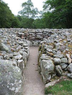standing stones scotland | Clava Cairns & Standing Stones Culloden Strathnairn Inverness Scotland ...