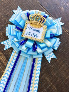 Royal blue baby shower mommy to be pin - little prince corsage- royal blue baby shower- baby blue royal prince mommy pin- mommy to be Distintivos Baby Shower, Baby Shower Princess, Baby Shower Gender Reveal, Baby Shower Cakes, Baby Shower Parties, Baby Shower Themes, Shower Ideas, Baby Gender, Mommy To Be Pins