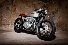Chill factor - Suzuki GS550 Cafe Racer ~ Return of the Cafe Racers