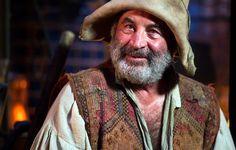 Bob Hoskins (1942-2014), Smee - Hook directed by Steven Spielberg (1991) #jamesmatthewbarrie