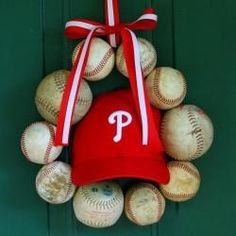 This would be an adorable way to save a childs' t-ball gear. Baseball Wreath
