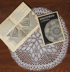 Madeira Mantilla (Ethnic Knitting Adventures): Knitty Spring+Summer 2012 - knitted lace/lace knitting