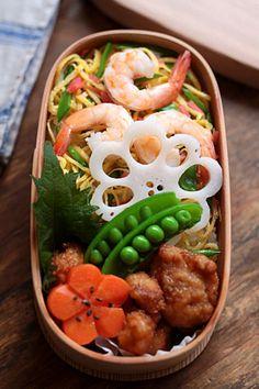 日本人のごはん/お弁当 Japanese Chirashi Sushi Bento ちらし寿司弁当