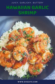 garlic shrimp recipes Juicy prawns cooked in a garlicky buttery sauce, this Hawaiian Garlic Shrimp is just like the shrimp trucks you'd find in Hawaii. Shrimp Recipes For Dinner, Prawn Recipes, Seafood Recipes, Fish Recipes, Hawaiian Recipes, Recipies, Hawaiian Garlic Shrimp, Spicy Garlic Shrimp, Shrimp And Asparagus