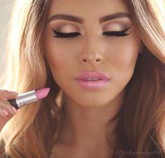 Beautiful Pink Lip Makeup Idea
