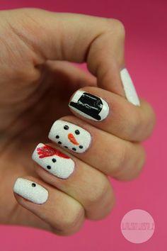 Welcome to the Winterwonderland - cute winter snowman mani :)