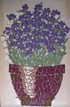 mosaic flowers and flower pot Mosaic Tile Art, Mosaic Crafts, Mosaic Projects, Mosaic Glass, Glass Art, Art Projects, Mosaic Pots, Pebble Mosaic, Stained Glass