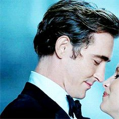 Tiffany commercial, Lee Pace Maybe young King and Queen <<< DANG, I love this commercial. If they banned the Jaguar commercials with Tom, why can't America at least have more ads with Lee? #usethevoice