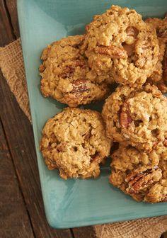 Butter Pecan Oatmeal Cookies ~ http://www.bakeorbreak.com