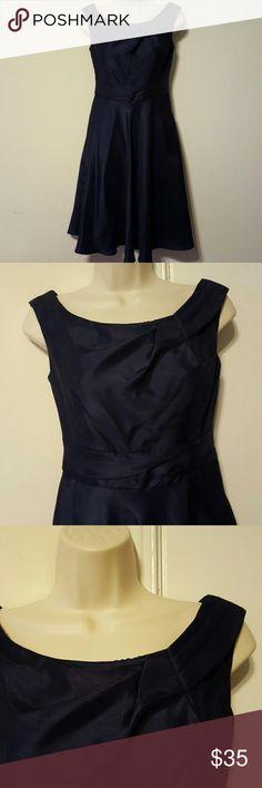 SALE!!🎉 DAVID'S BRIDAL DARK BLUE DRESS ✔Iridescent Dark Blue Bridesmaid Dress ✔In good condition David's Bridal Dresses Midi