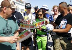 """""""Danica Patrick says she doesn't miss racing, but only likes the real thing"""" via FOX NEWS The NASCAR and IndyCar star has moved on. Good News Quotes, Fox News Trump, Kids News, English Articles, Family News, Trump New, Racing Events, People News, Danica Patrick"""