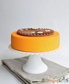 Entremet cu caise si crema stracciatella by Simona Callas Mousse, Cheesecake, Recipes, Cheesecakes, Cherry Cheesecake Shooters