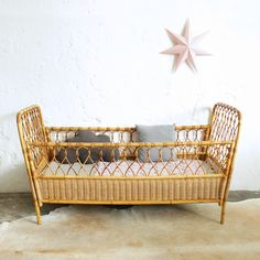 lit-bebe-rotin-vintage-G436_a Style Vintage, Bassinet, Rattan, Cribs, Bamboo, Kids Room, Nursery, Interior, Baby Beds