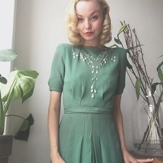 Going to @majakudahl 's birthday party  Wearing one of my favorite dresses... Silver leaves embroidered beading on green crepe and a tiny 1930s green hair bow  #1930s #1940s #vintage #truevintageootd