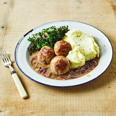 A quick and easy Pork & Sage Meatballs With Onion Gravy recipe, from our authentic British cuisine collection. Find brilliant recipe ideas and cooking tips at Gousto