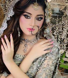 15 Trendy Pakistani Bridal Makeup Make Up Wedding Bride Pakistani Bridal Hairstyles, Pakistani Bridal Makeup, Indian Wedding Makeup, Bridal Mehndi Dresses, Pakistani Wedding Dresses, Bridal Outfits, Bridal Makeup Looks, Bride Makeup, Bridal Beauty