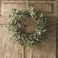 Wedding Ideas: earthy-wreath-decorations