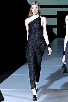 Emporio Armani Fall 2011 Ready-to-Wear Collection Slideshow on Style.com