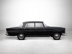 4 | 1965 Mercedes-Benz 220S Large Tail Fin | Auctionata Mercedes 220, Car Brands, Rolls Royce, Fiat, Volvo, Jaguar, Peugeot