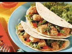 Wer gerne Fisch-Tacos isst, muss nicht extra nach Mexiko fliegen. Mit diesem verführerischen Rezept sind Fisch-Tacos nämlich im Nu selbst gemacht!
