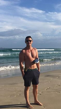Luke Evans, wish i was there with him. Os