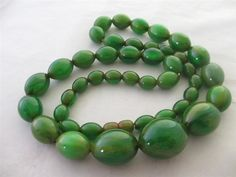 vintage green amber bakelite bead necklace