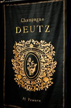 #Champagne favori des producteurs de vins car réputé davantage parmi les sachants et connaisseurs que le grand public, sa qualité monte en flèche depuis 40 ans, détrônant les cuvées de luxe des grandes maisons. Champagne Deutz, Public, Metallic Paper, Silver Highlights, White Labels, Basket Of Fruit, Big Houses, 40 Rocks, Marker