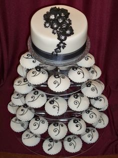 Black & White Wedding Cupcakes black and white cupcake tower White Cupcakes, Wedding Cakes With Cupcakes, Unique Wedding Cakes, Wedding Ideas, Cupcake Wedding, Wedding Stuff, Wedding Inspiration, Wedding Things, Wedding Colors