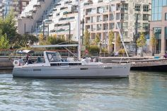 Airbnb-like site for renting peoples' boats now available in Toronto Sailing Lessons, Toronto Neighbourhoods, The Great White, Canoe Trip, Boat Rental, Motor Yacht, Jet Ski, Catamaran, Paddle Boarding