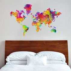 11-Adesivo-World-of-Colors,-90x56-cm,-99,90-reais-na-Decohouse