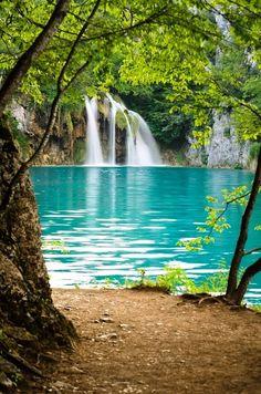 Plitvice Lakes National Park, Croatia. Look at the beautiful blue waters! #croatia #lakes #nationalpark
