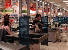 Taccheggio in un supermercato di via De Gasperi: denunciata una donna nissena