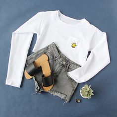 Rock the crop top trend this season! #croptops #white #fall #outfits #romwe