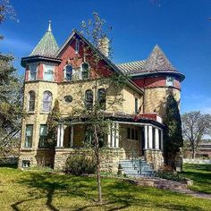 5 outrageously charming towns in Manitoba that you'll want to move to right now O Canada, Water Art, Historic Homes, Victorian Homes, Countryside, Tourism, Scenery, Places To Visit, Vacation
