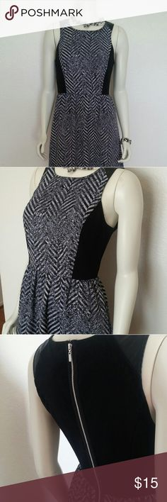 Kensie Party Dress Fun black, grey and white, knee length party dress, zips up the back. Kensie Dresses Midi