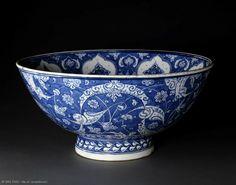 Basin, Turkey, Iznik, circa 1505-15 Glazes For Pottery, Ceramic Pottery, Pottery Art, Turkish Tiles, Turkish Art, Porcelain Ceramics, Ceramic Bowls, Glazed Tiles, Blue Bowl