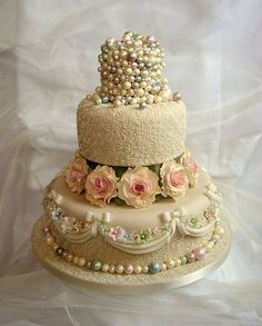 Vintage 1920's infused pearl cake. the best thing is.. you can eat the whole thing O_O