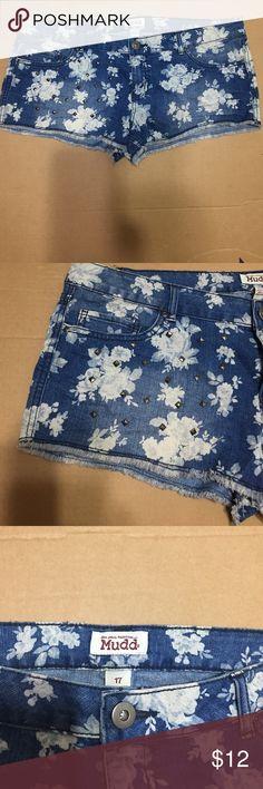 Mudd Low Rise Shorts Size 17 Mudd low rise shorts size 17. Five pockets, rhinestones on the right front pocket, Blue and cream denim Mudd Shorts Jean Shorts
