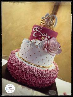 principessa Sara White Cakes, Let Them Eat Cake, Sari, Desserts, Pink, Food, Saree, Tailgate Desserts, Deserts