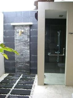 Design on Fire: Luxurious & Sexy: Outdoor Showers