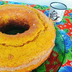 Café da tarde pede nosso classicão Bolo de Cenoura com Calda de Brigadeiro. #bolodecenoura #brigadeiro 🌱🐟🐄🍫🍰 @donamanteiga #donamanteiga #danusapenna #amanteigadas #gastronomia #food #bolos #tortas www.donamanteiga.com.br