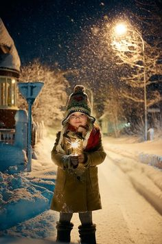 Christmas ad´s for a bank in Iceland Winter Pictures, Christmas Pictures, Winter Kids, Winter Snow, Hello Winter, Foto Baby, Theme Noel, The Night Before Christmas, Winter Beauty