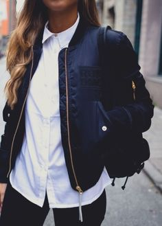 Street style | White shirt, black skinnies, bomber jacket