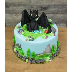 ❥How to Train Your Dragon | themed cake Dragon Birthday Cakes, Dragon Birthday Parties, Dragon Cakes, Dragon Party, Bolo Da Peppa Pig, Toothless Cake, Bike Cakes, Dinosaur Cake, Dinosaur Birthday