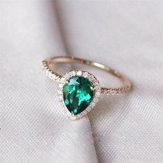 Pear Emerald Engagem