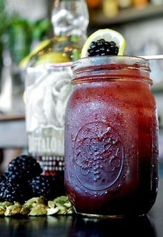 Blackberry Bourbon Lemonade, this has some great summertime drink recipes